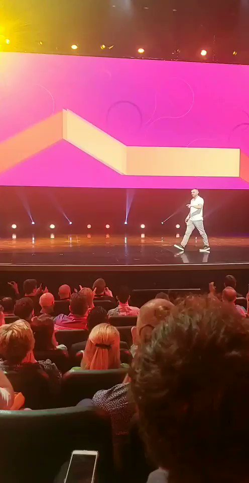 BarrettAll: 'We will always choose convenience. You don't give a 💩 about privacy.' @garyvee #MagentoImagine https://t.co/pft2pCO6Gm