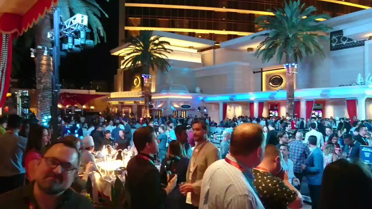 richbaik: If you're not at the #MagentoImagine Legendary Party, you're missing out! @magento https://t.co/d4Iyju2QTo
