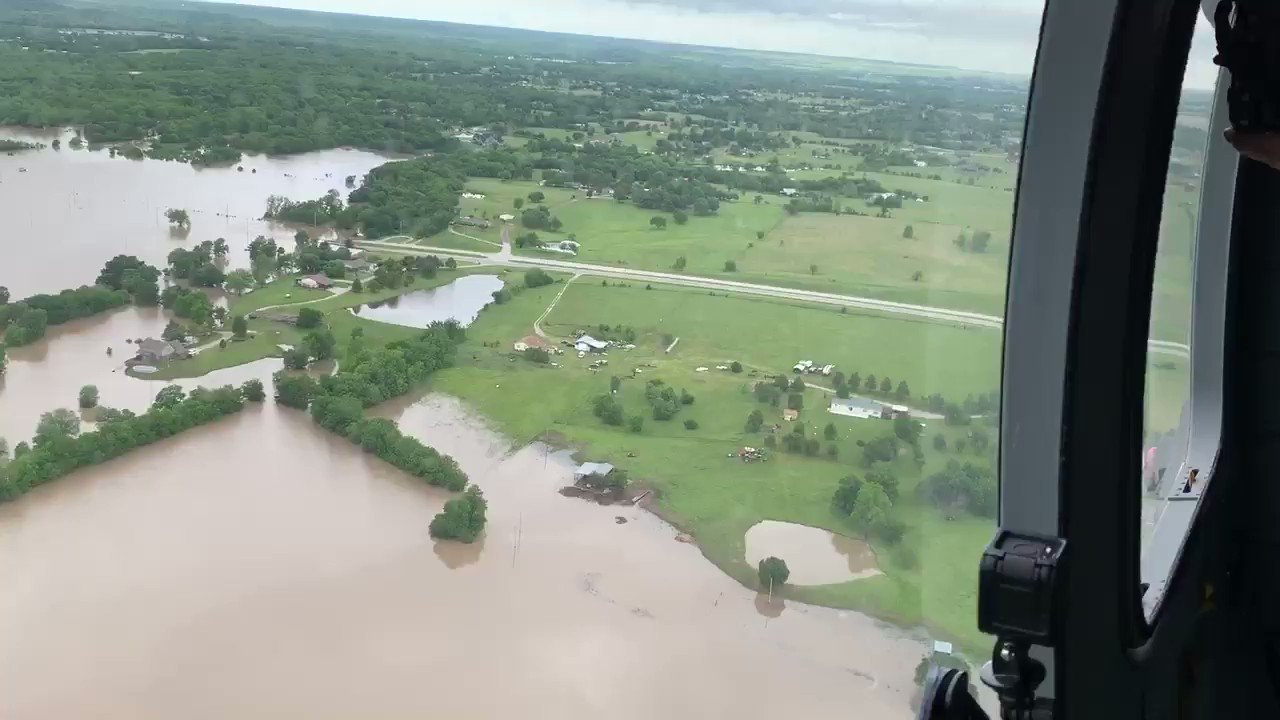 This is Highway 20 going into Skiatook. https://t.co/vsTlOuU52D