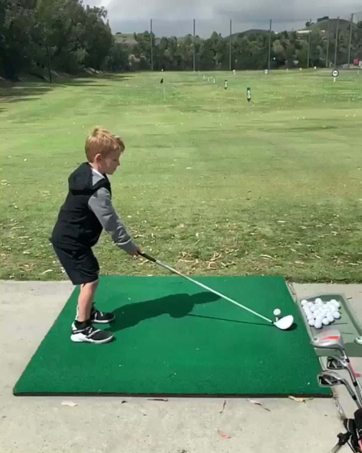 Already borrowing his dad's clubs ????#ACEKNUTE https://t.co/0Lw77YiJZc