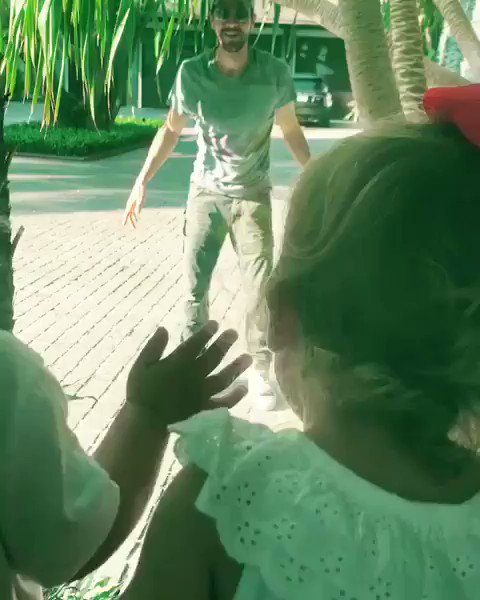 Three children in this video ???? https://t.co/3OXGDbv7H2