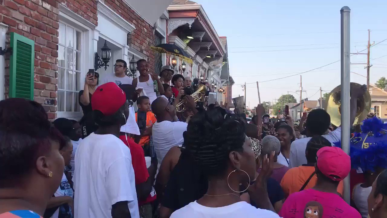 #LeahChase #secondline begins and ends at #dookychaserestaurant @theadvocateno https://t.co/s3qDp9boTk