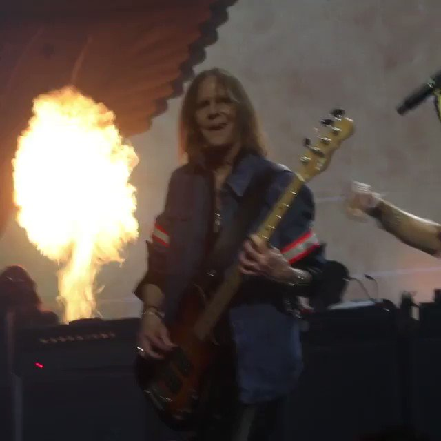SORRY @THaerosmith BUT YOU MAKE ME SLAP HAPPY https://t.co/uwaGMHPJJJ