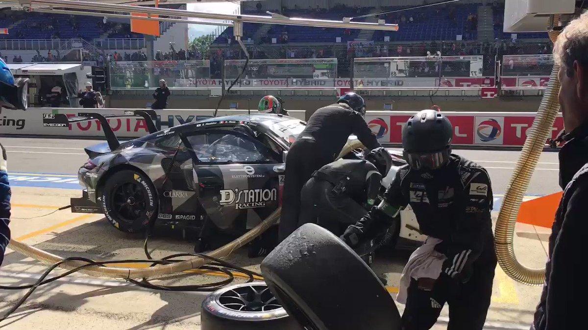 #LeMans24 - The @PatrickDempsey @ProtonRacing No 88 in the pits. #SatoshiHoshino out, #GiorgioRoda in. @Porsche @FIAWEC @24hoursoflemans