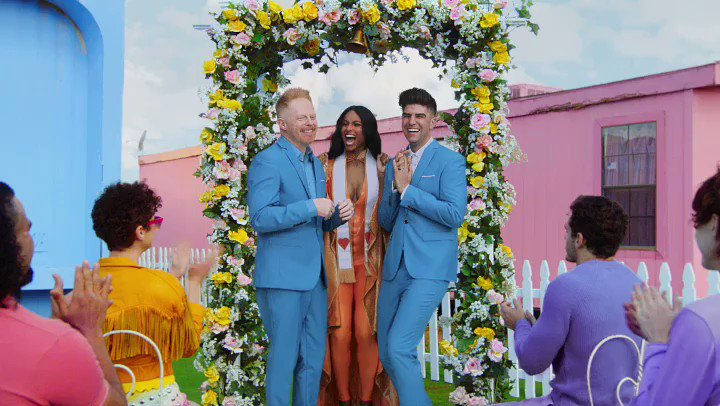 . @JesseTyler @JustinMikita. Wedding is Lit ????❤️ #Equality @taylorswift13  #YNTCDmusicvideo https://t.co/Dl8HJvmmIz