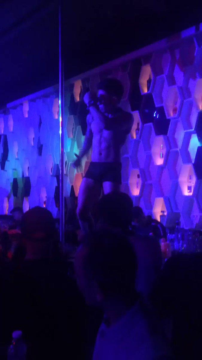 Miguel is killing it in black!   🎥 from last Saturday's Black Party  #NectarOfManila #NectarPH #clubbing #SaturdayMotivation #GogoDancer #alterph #alterphilippines #altertaguig #alterbgc
