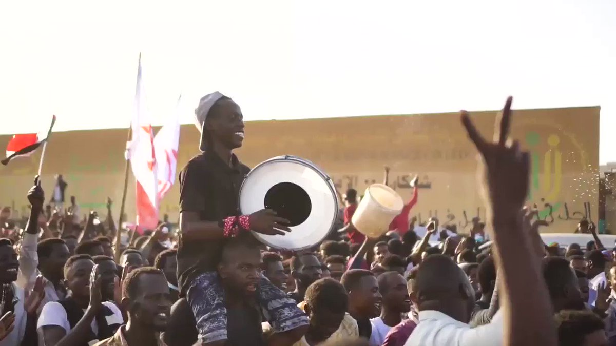Music will always be the best way I know to express myself So I wrote this song for Sudan https://t.co/DhHGMWLYwu