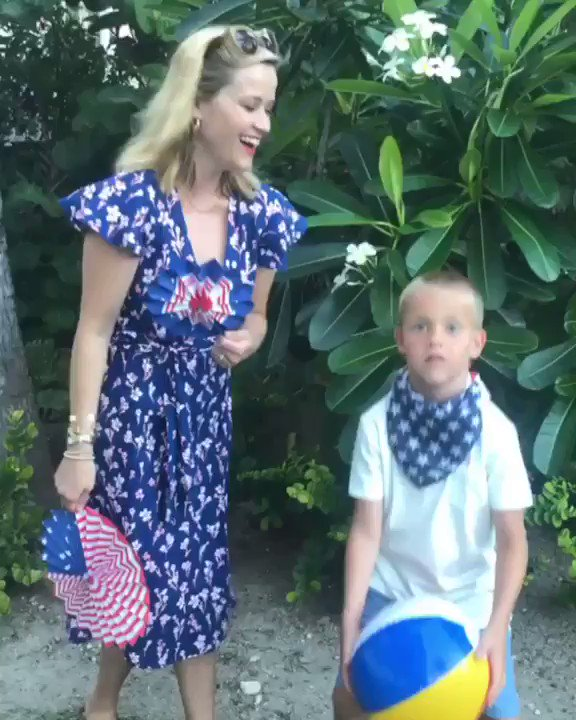 Hats off to a great week with family! Wishing everyone a happy 4th of July! ???????????? https://t.co/SjtiTcmyuP