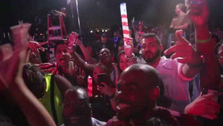 Whoooooo!! #4thofjuly. Best Party Baby! @NBC https://t.co/eTd0iXnNa5