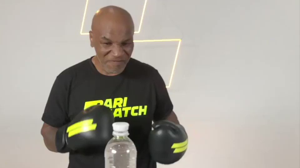 How much you want to bet this #waterbottlechallenge was done in one take? #parimatch  https://t.co/a4qStTk3CR https://t.co/lvcTecL7eW