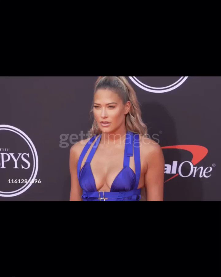 RT @xIzzyGarcia: @TheBarbieBlank arriving on #ESPYSAwards Red Carpet https://t.co/NMHjasPLcA