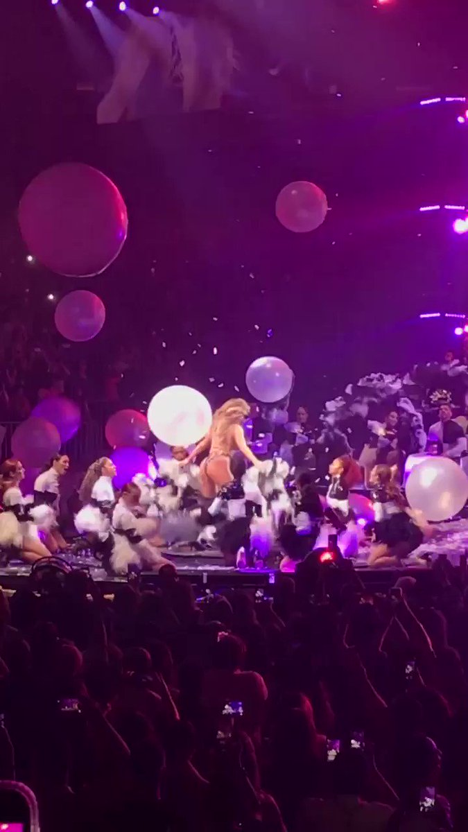 RT @APuliti: This is 50... in a few days! @JLo sure knows how to throw one epic bday bash. #JLOItsMyParty https://t.co/wbkrwa63H9