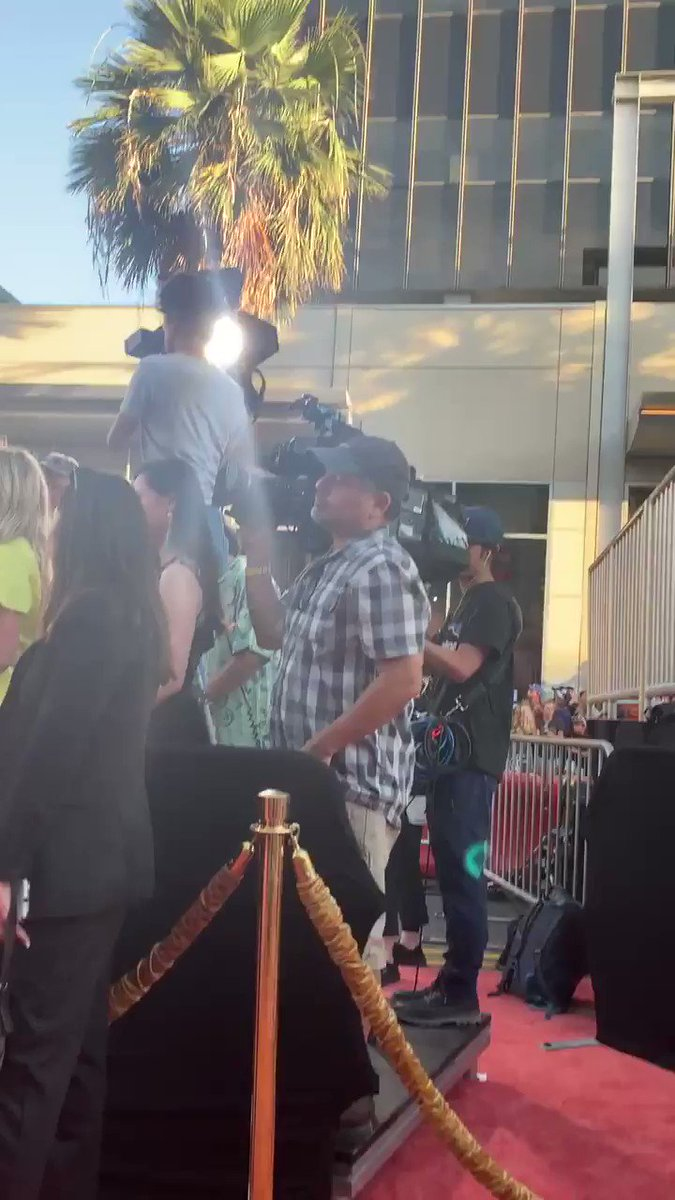 RT @askjillian: Red carpet @OnceInHollywood Just saw Brittney bitch. I think Leo or Brad has arrived. https://t.co/OV5oPDCnt2