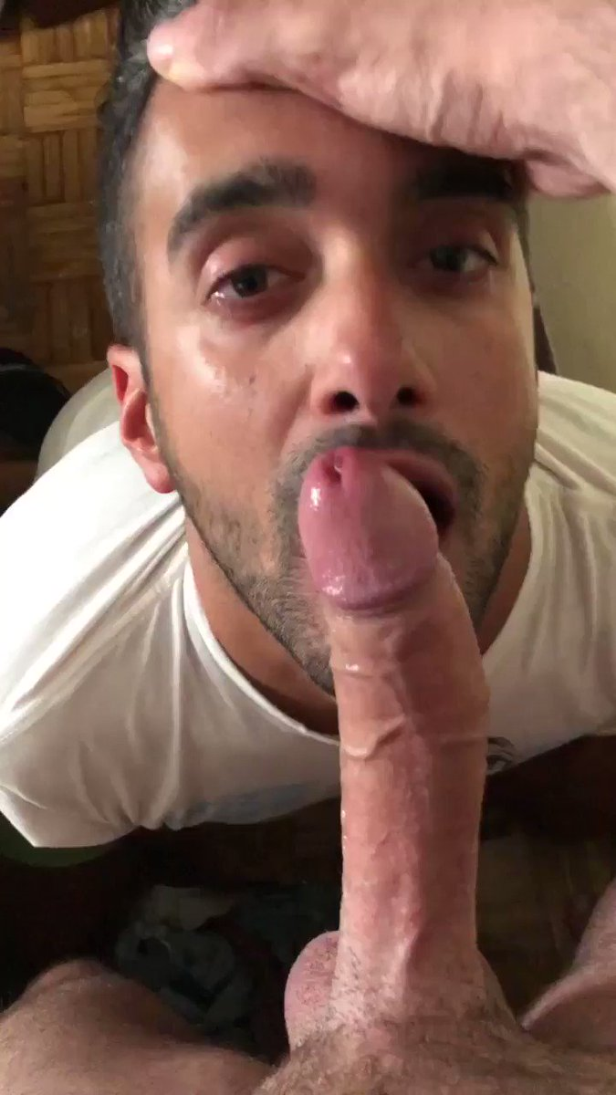 They don't call him @deepthroatxxxxl for nothing! 😛🔥🔥🔥 This cocksucker is not just another cute face — he is a true professional at his craft. 😜🍆😈 Source: @MarkkoXXX #gay #sex #oral #blowjob #sucking #deepthroat #bigcock