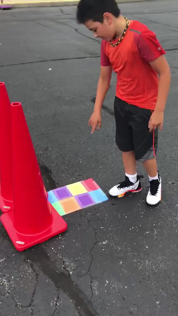 Adapted from @mrdenkpeclass Taped 8 squares to create (6)templates that can be turned different ways.COMMUNICATOR runs down to see the puzzle, returns and shares the pattern from 10 feet away. Remaining group must listen to create the puzzle using beanbags. #elempe #physed https://t.co/7D6kGLwHlk