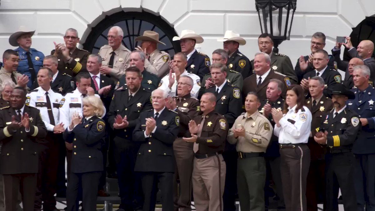 Thank you to our nation's incredible sheriffs! President Trump is behind you all the way! 🇺🇸