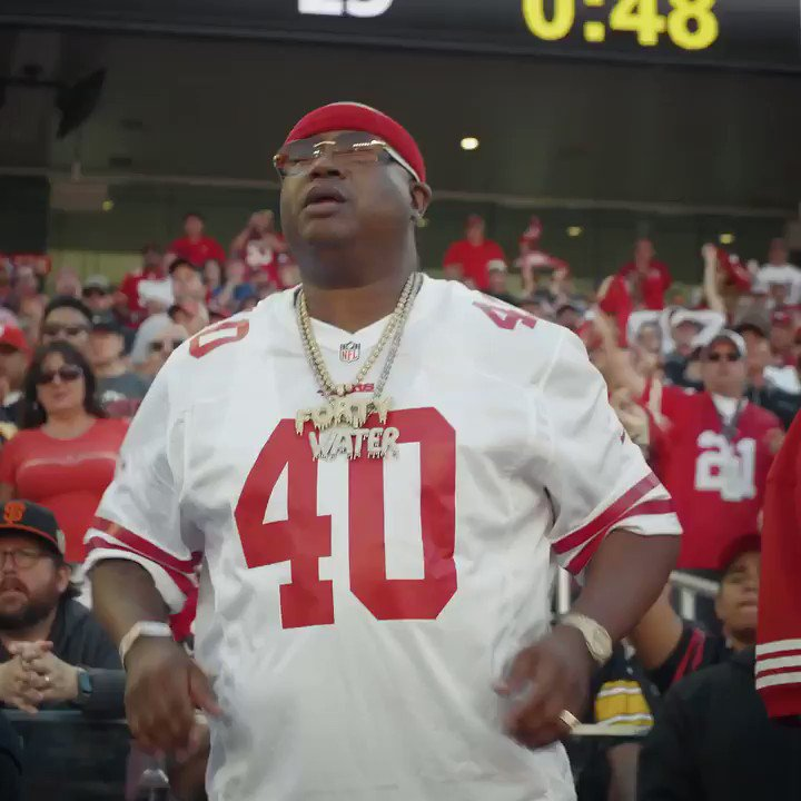 #VictoryMonday mood  4-0 @E40! https://t.co/DhNXNF2APN
