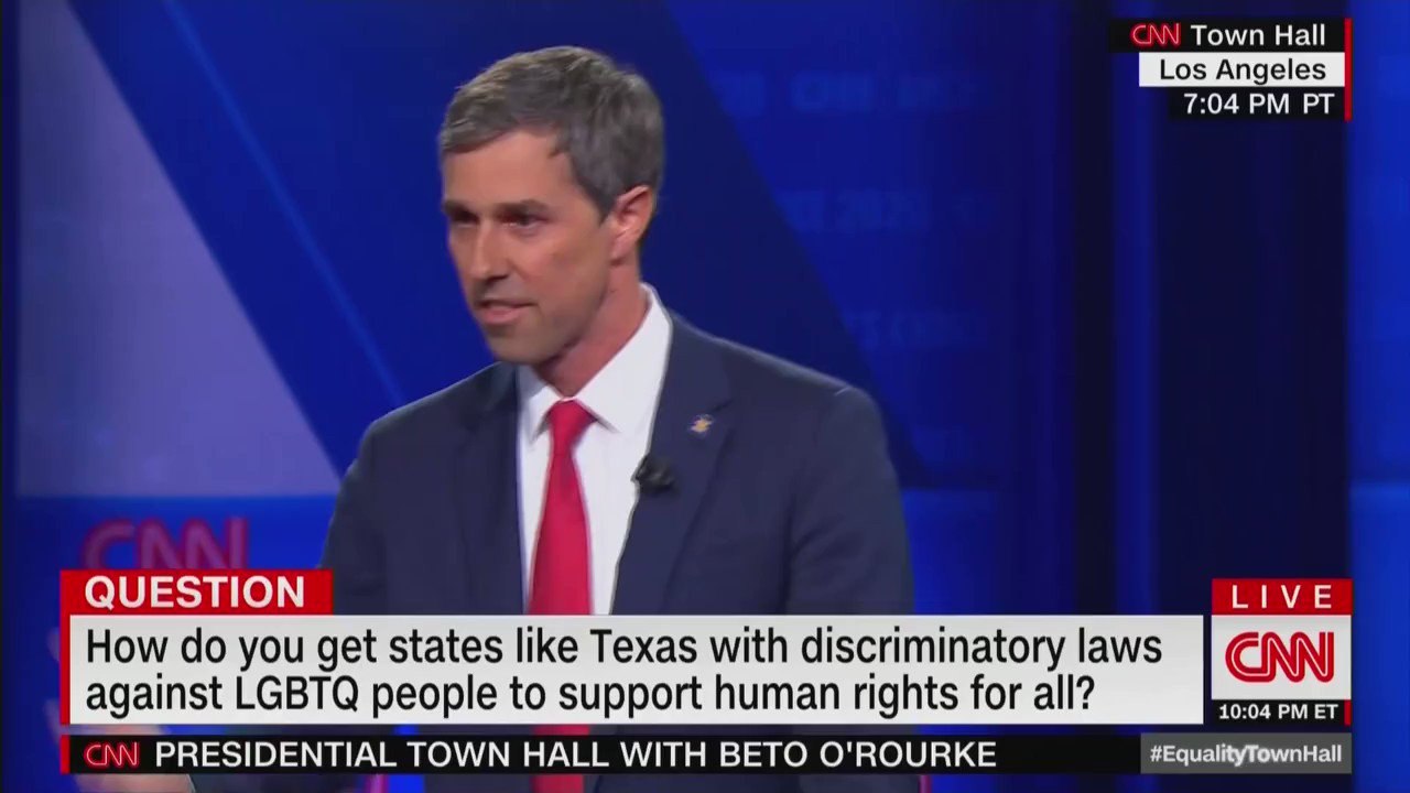 """""""Do you think religious institutions like colleges, churches, charities, should they lose their tax exempt status if they oppose same sex marriage?""""  """"Yes,"""" Beto says, without missing a beat.   #LGBTQTownHall https://t.co/HJpnyrYfYY"""
