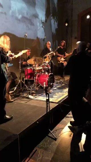"Rhys Chatham's ""Guitar Trio"" with Lee Ranaldo, Karen Haglof, Jon Kessler, Jonathan Kane, Robert Longo, Elliott Sharp, and Keanu Reeves https://t.co/aObIHYFUp2"