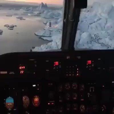 Landing in Greenland is epic 😍 https://t.co/6DfS24cseN