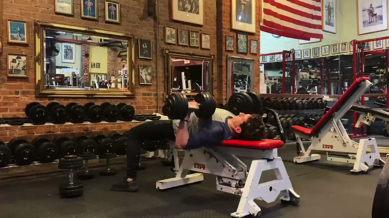 PUSH ! 🔥   *DB bench press 5 x 8-10  Seated shoulder press 5 x 10 superset w heavy side raise x 10  DB flye 4 x 10-12 superset w speed push-ups x as many as possible   Tricep pushdown 5 x 8-12  Bench curl up 5 x as many as possible     Rest 30-60s between all sets and supersets. https://t.co/Be6ajA3KL6