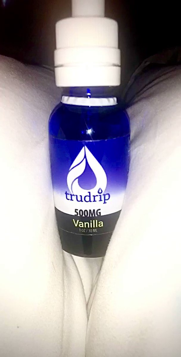LOVE this CBD so much @trudripcbd 💦😻 helps me with anxiety, muscle relaxation, and sleep 💤 shop now  available in 500mg or full spectrum ❤️