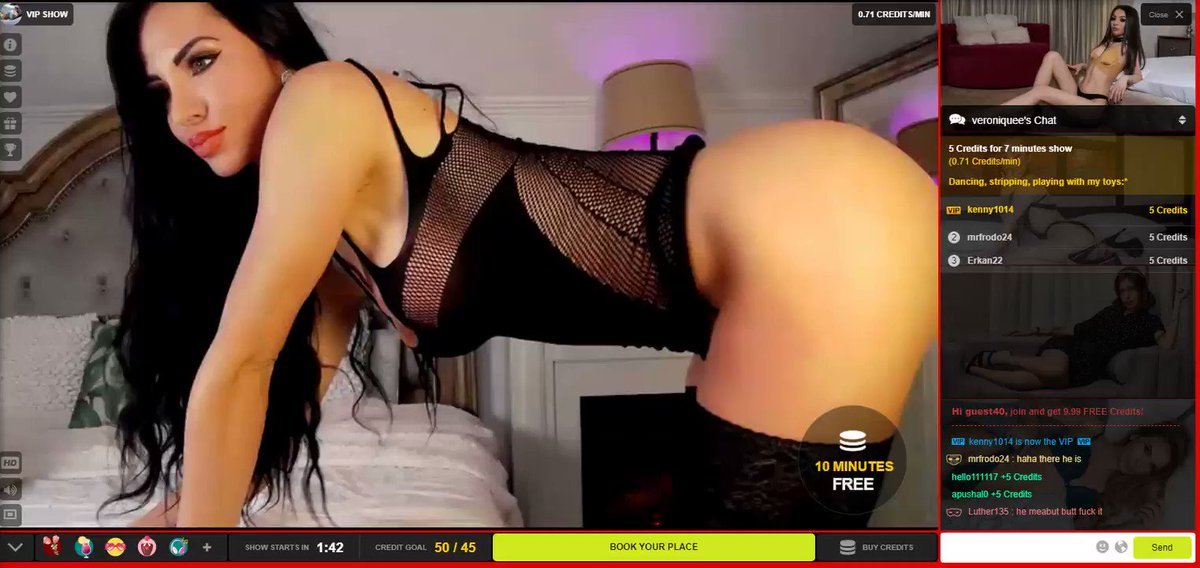 She's ready to do a #dirty show on ➡️ !  Try NOW the #VIPShow with this #horny #camgirl !