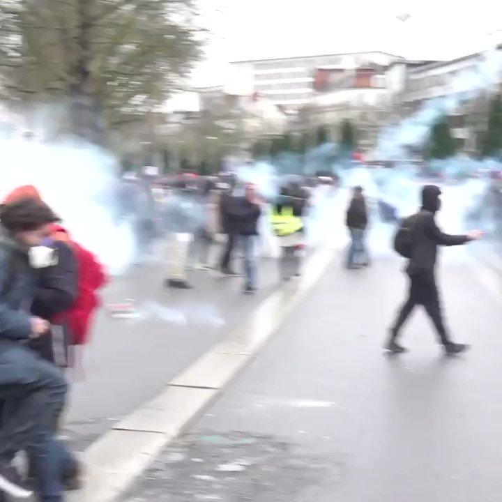 #Nantes #17decembre2019  #France #Greve17decembre #Macron #GiletsJaunes