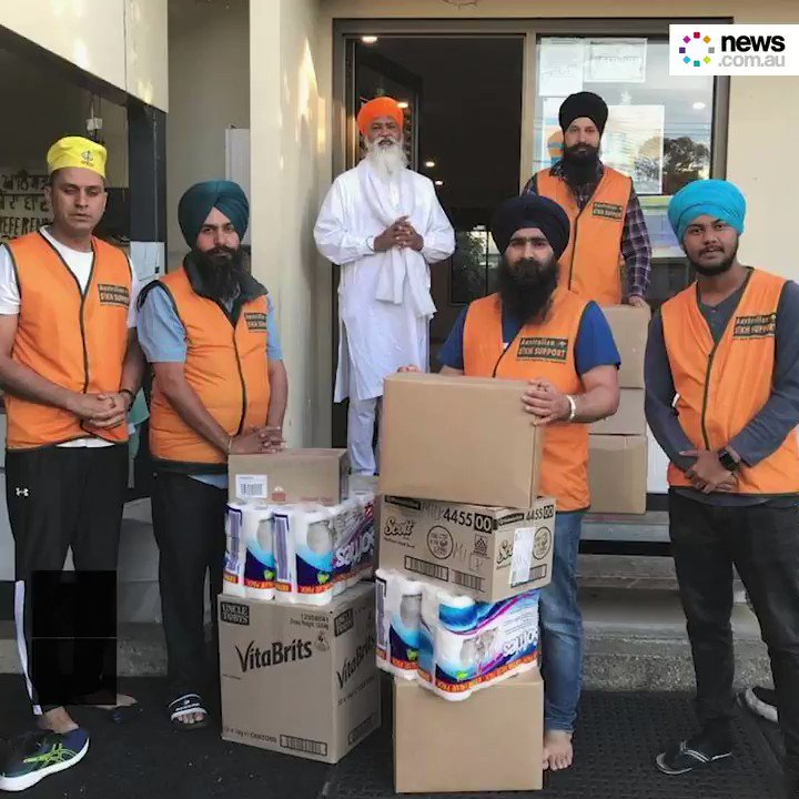 A group of Sikh volunteers has travelled 700km through the night to deliver 350 boxes of food and water to fire-affected farmers. 🙌💙
