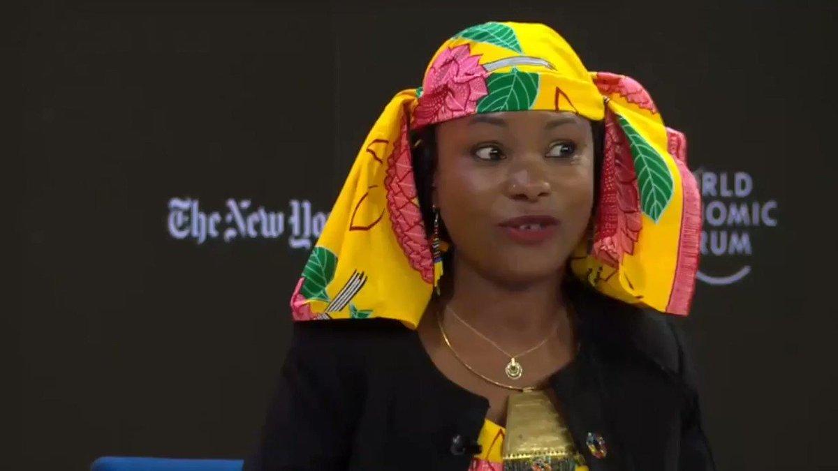 """""""Le monde est en feu. Pour les nations indigènes, partout dans le monde, ce n'est pas une figure de style mais une réalité concrète. Au Tchad, une forêt qui brûle, ce sont des gens qui meurent"""". @hindououmar #WEF20 #Davos2020 #howtosavetheplanet  Le live ➡"""