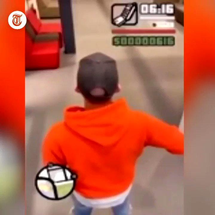 Een 25-jarige student is donderdag opgepakt nadat hij een nepwapen trok in een school in Nijmegen. Uit zijn eigen opname blijkt dat hij de videogame Grand Theft Auto wilde nadoen. https://t.co/eLI6kP5ehr