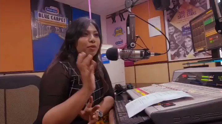 #RadioCityChennai  #HappyValentinesDay and here is the quick sneak peek of #withloveshruti tune into raido city this morning 11 - 2 to  and catch ur fav @shrutihaasan on air  With @nancyshyla