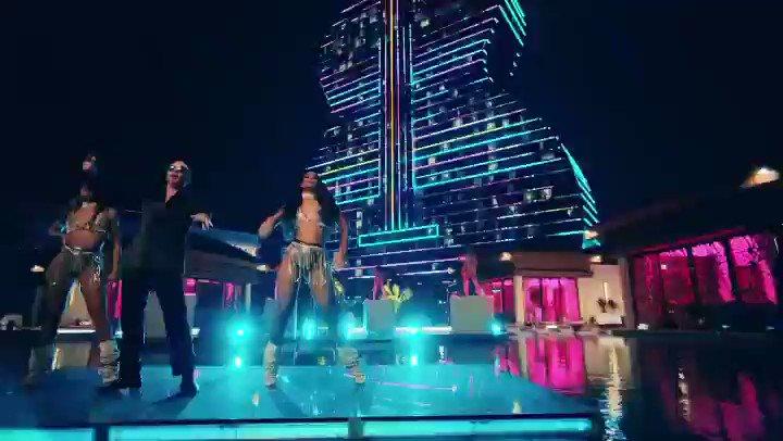 #GetReady by @Pitbull ft. @BlakeShelton is the perfect #SundayFunday jam!🔥🎶 ⠀ 🎧: