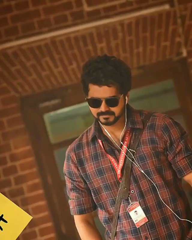 @actorvijay ur looking to guys dam cool nabaaa. ❤️❤️🔥 . #Master .. waiting to u see in new role as well in new look . #vijaylove ..