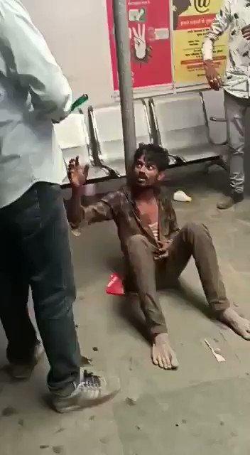 इसमें कोई संदेह नहीं है कि अपर कास्ट के ये लोग निम्न कही जाने वाली जातियों को घृणा की नजर से देखते हैं।नागौर,राजस्थान में चोरी का झूठा आरोप लगाकर इस दलित युवक के प्राइवेट पार्ट में पेट्रोल डालकर जलाने की क्रूरतापूर्ण हरकत करने वाले ये लोग किसी नरपिशाच से कम नहीं। @Profdilipmandal
