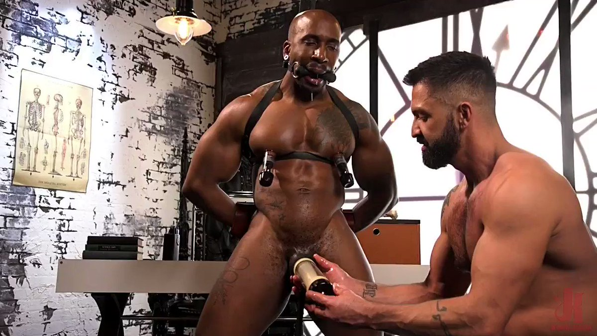 That performer is really handsome! 🤩 Bound, gagged, at the mercy of his jailer! 🔥😈 I love to see the guy drooling and use his drool to wet his dick! 💧 #Edging #TiedUp #Gay #Horny #UnderControl #OrgasmControl