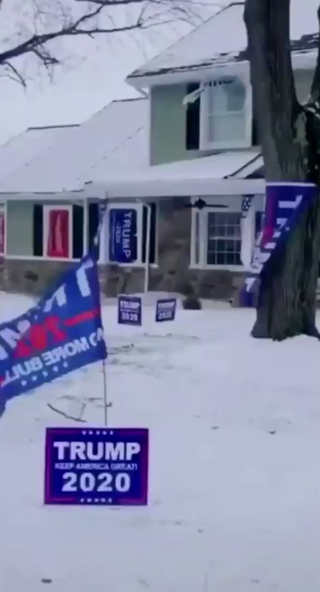 "⚠️#TDSWarning🤯  ""When he was done remodeling he put one Trump flag in the window....and he got a letter from somebody that lives in this community that said...."" #TrumpPence2020 #KAG2020🇺🇸"