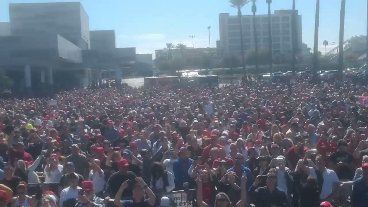 As President ⁦@realDonaldTrump⁩ took the stage, this was the crowd OUTSIDE in Nevada (a BLUE state)‼️  UNREAL ⬇️