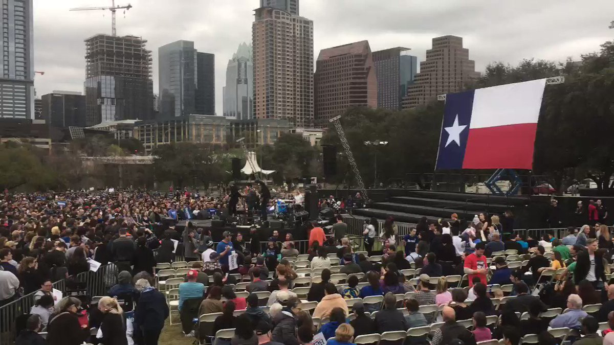 Some perspective on crowd size at Bernie Sanders rally in Austin TX. Set to start in about 30 min.