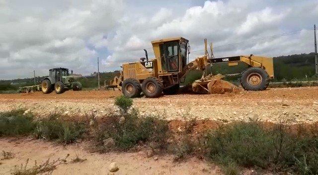 #DNITemAÇÃO: É Carnaval, mas o trabalho continua em todo o 🇧🇷. Em Sergipe, o DNIT segue com as obras de duplicação da BR-101. 🚜 Confira a atuação das equipes no km 32 da rodovia, nesse domingo (23). @govbr @MInfraestrutura