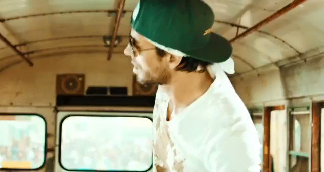 3 yrs ago @enriqueiglesias teamed with @Descemer_Bueno & @zionylennoxpr on a bumping party bus in the video for Súbeme la Radio 📻🚌 →