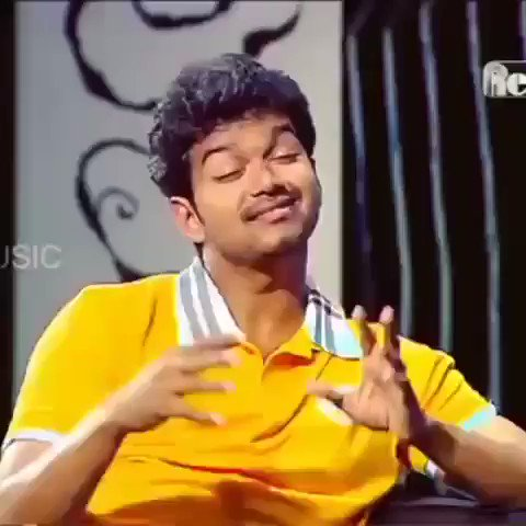The way he sings!😍 Awww he's really adorable🥺 n at the end tholaaaa!!🤣😝 @actorvijay 🙈 #Master