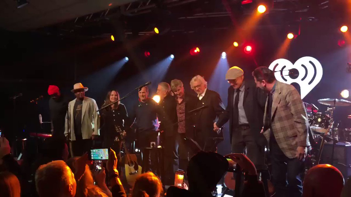 To Mr. James Taylor.   Thank you for a legendary night 👌  #iHeartJamesTaylor