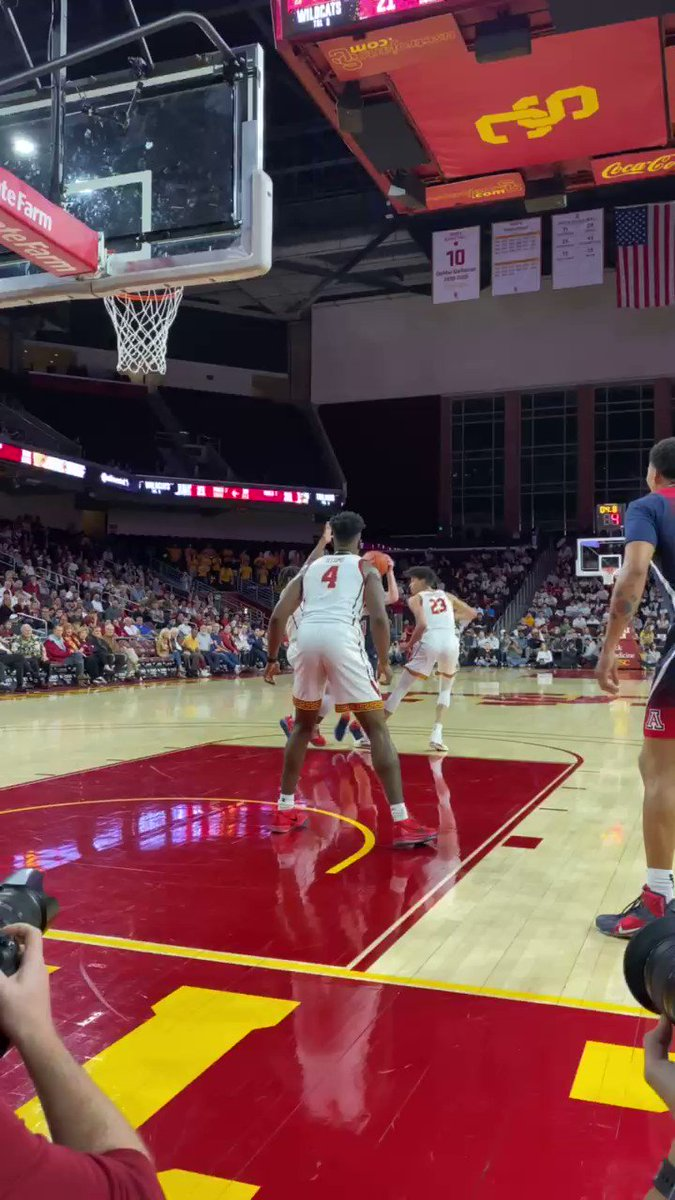 This near full court shot at the buzzer by Onyeka Okongwu is ridiculous 🤯  (via @USC_Hoops)