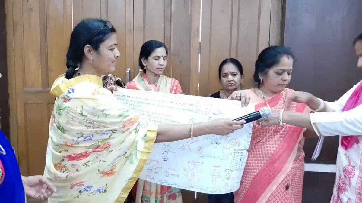 #Learnings from #KidFestival and #Anganwadi workers #training under @Urban95cm on what they learned and how they applied at their centers, briefed by #Anganvadi #Wroker #Udaipur @BvLFoundation @swachhudaipur @ICLEISouthAsia @DeptIcds