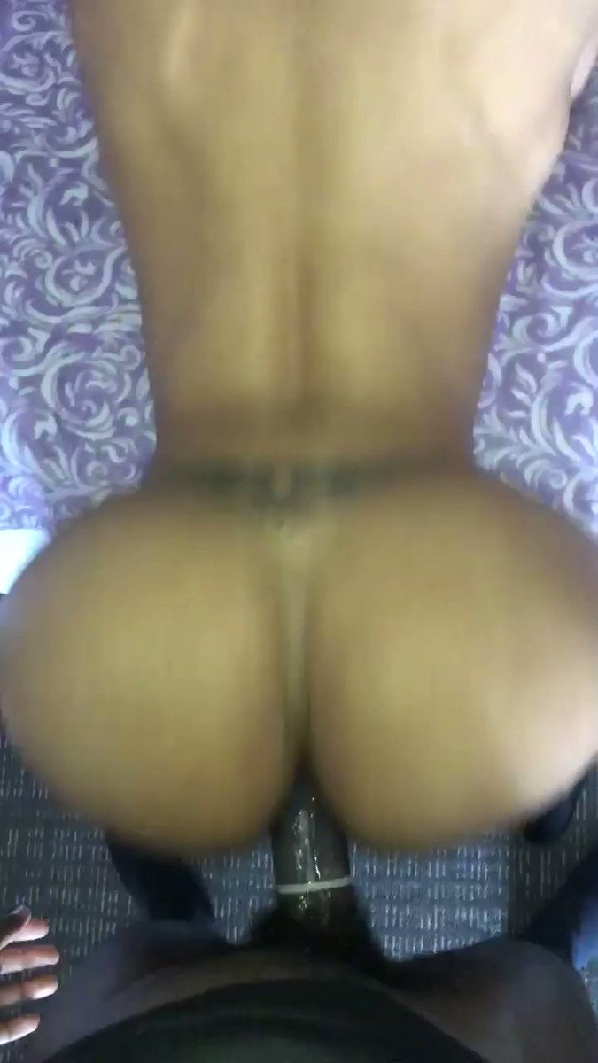 """🤫 listen 👂 """"this pussy good as fuck"""" come getchu some papi #ts #ass #natalialapotra #trans #tgirl #transgirl #transsexual #booty4dayz #bootybootybooty  😜"""
