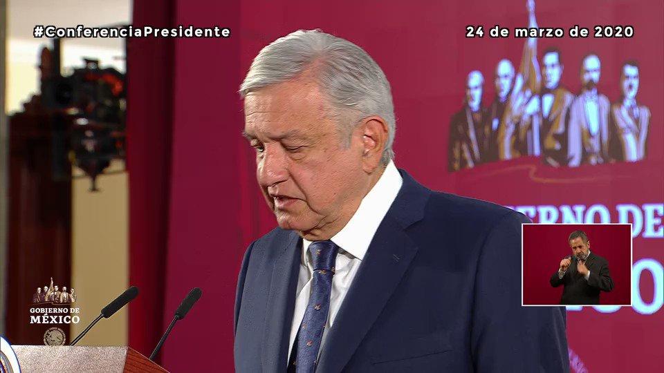 El presidente @lopezobrador_ agradeció a las y los trabajadores del sector salud por su profesionalismo, así como a las Fuerzas Armadas por su entrega y respaldo.  Tenemos lo necesario para hacer frente a la emergencia por el #COVID_19  #MéxicoUnido