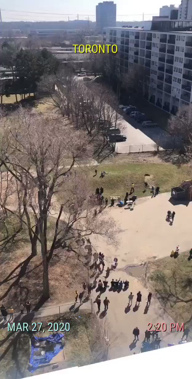 People were spotted gathering closer than they should outside a Flemingdon Park apartment building in Toronto today #StayHome #Toronto #SocialDistancing https://t.co/VMrsFUgthB
