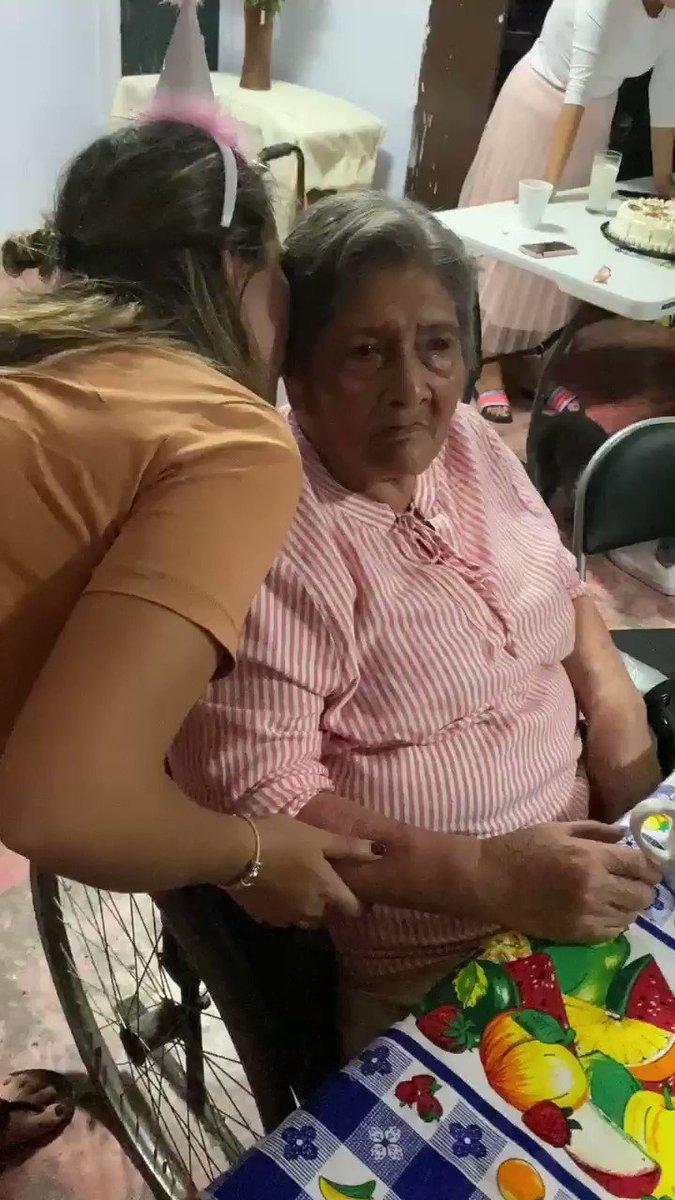 Hoy mi abuelita cumple 91 años y le mandó un mensaje a @lopezobrador_ . Felicidades te amamos!   #FelizSabado