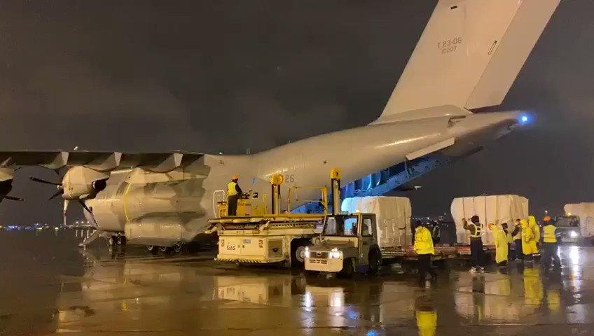 Ya se está cargando en #Shanghai #China el  #A400MEjércitoAire del #Ala31 con el material sanitario para luchar contra el #COVID19espana  Mañana aterrizará en la base aérea de #Torrejón #Madrid ¡Buen vuelo de vuelta a #España🇪🇦! #EsteVirusLoParamosUnidos